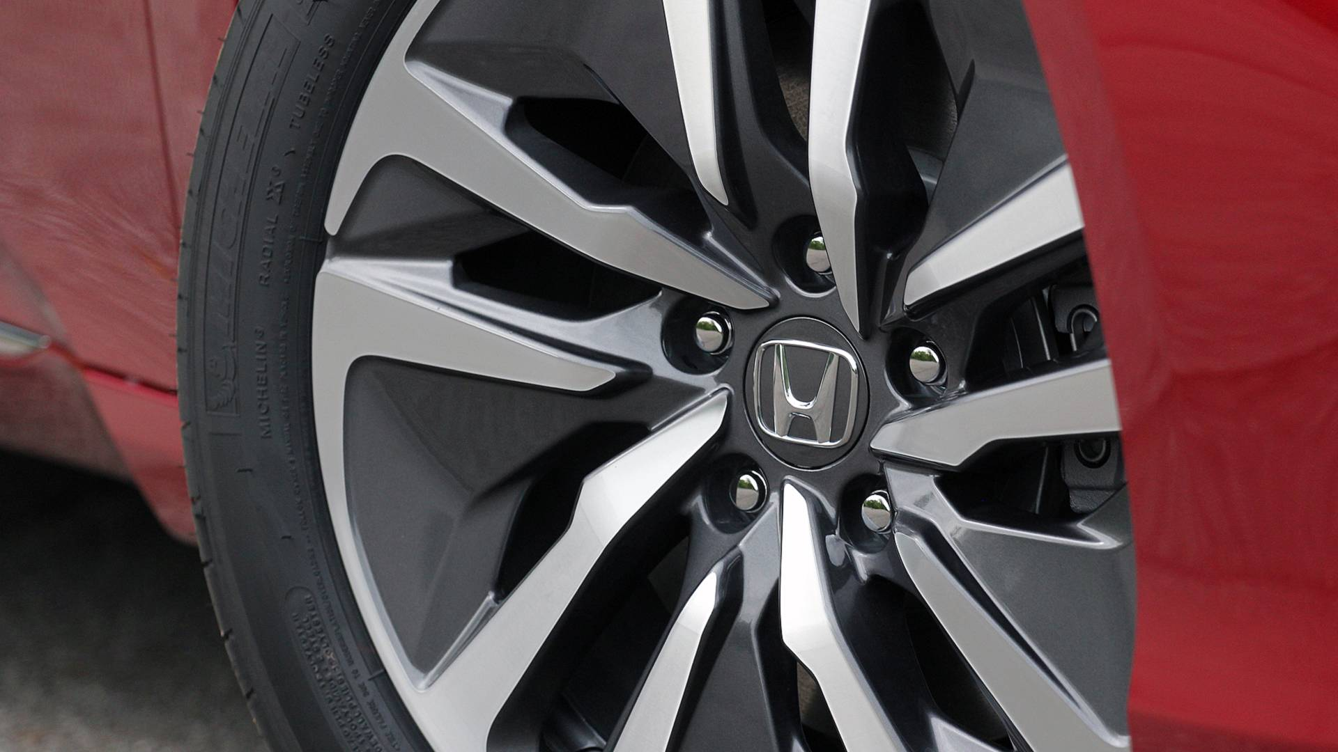2018-honda-accord-hybrid-danh-gia-6.jpg