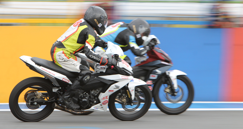 honda-racing-do-xe-02.jpg