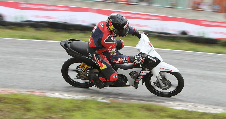 honda-racing-do-xe-03.jpg