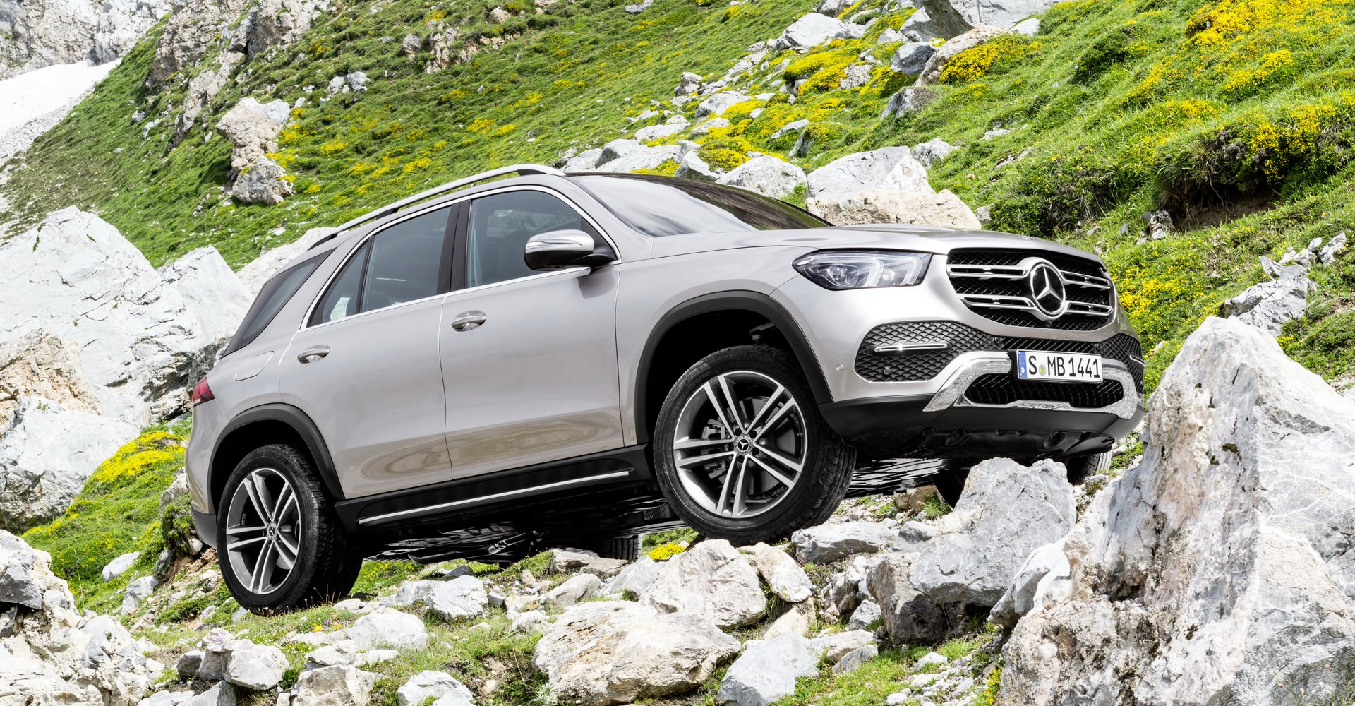 so-sanh-comp-mercedes-gle-vs-bmw-x5-9.jpg