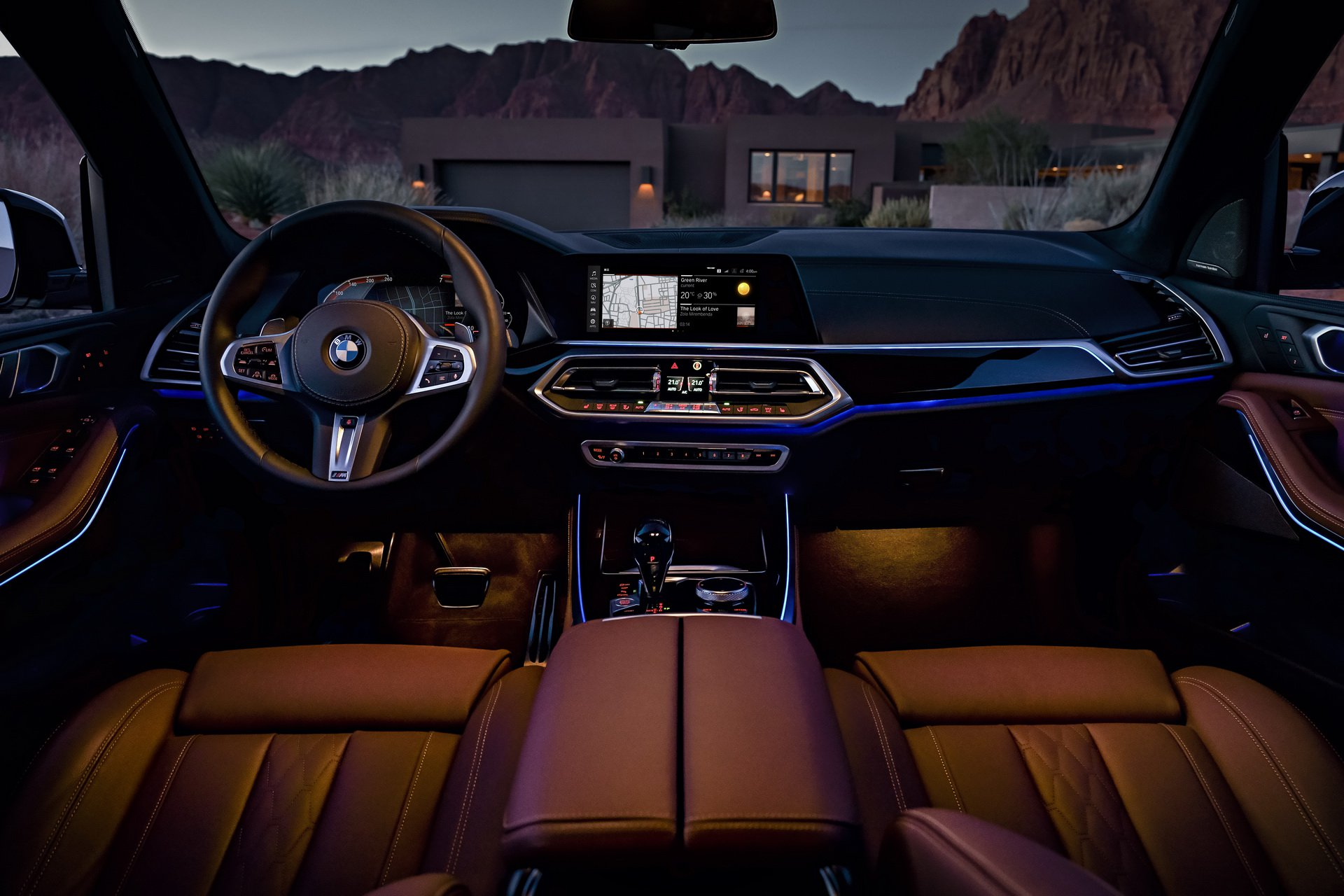 bmw-digital-cockpit-3.jpg