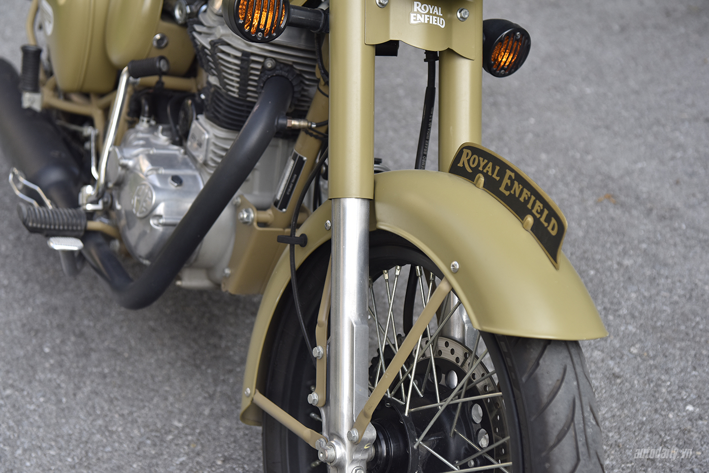 royal-enfield-dsc8051-copy.jpg