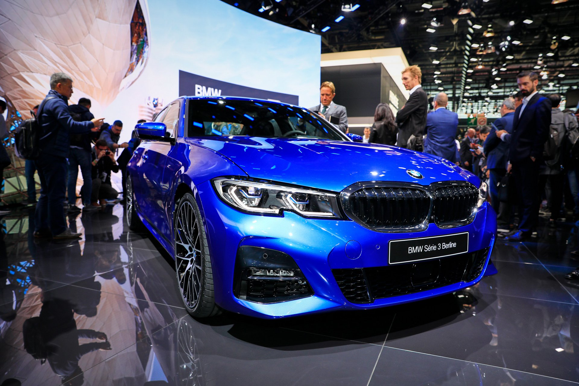 2019-bmw-3-series-ra-mat-13.jpg