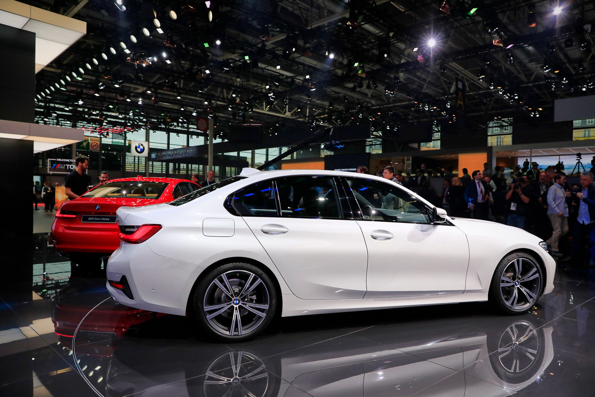 2019-bmw-3-series-ra-mat-18.jpg