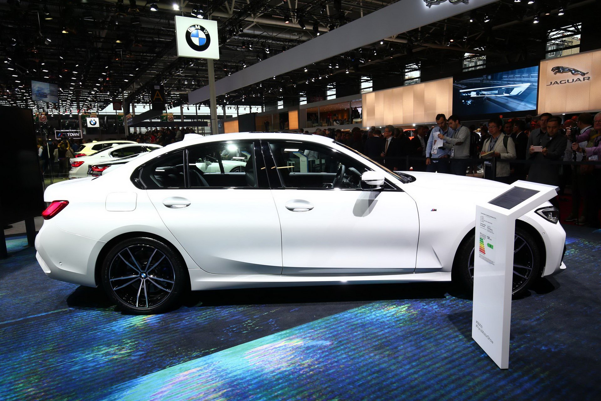 2019-bmw-3-series-ra-mat-4.jpg