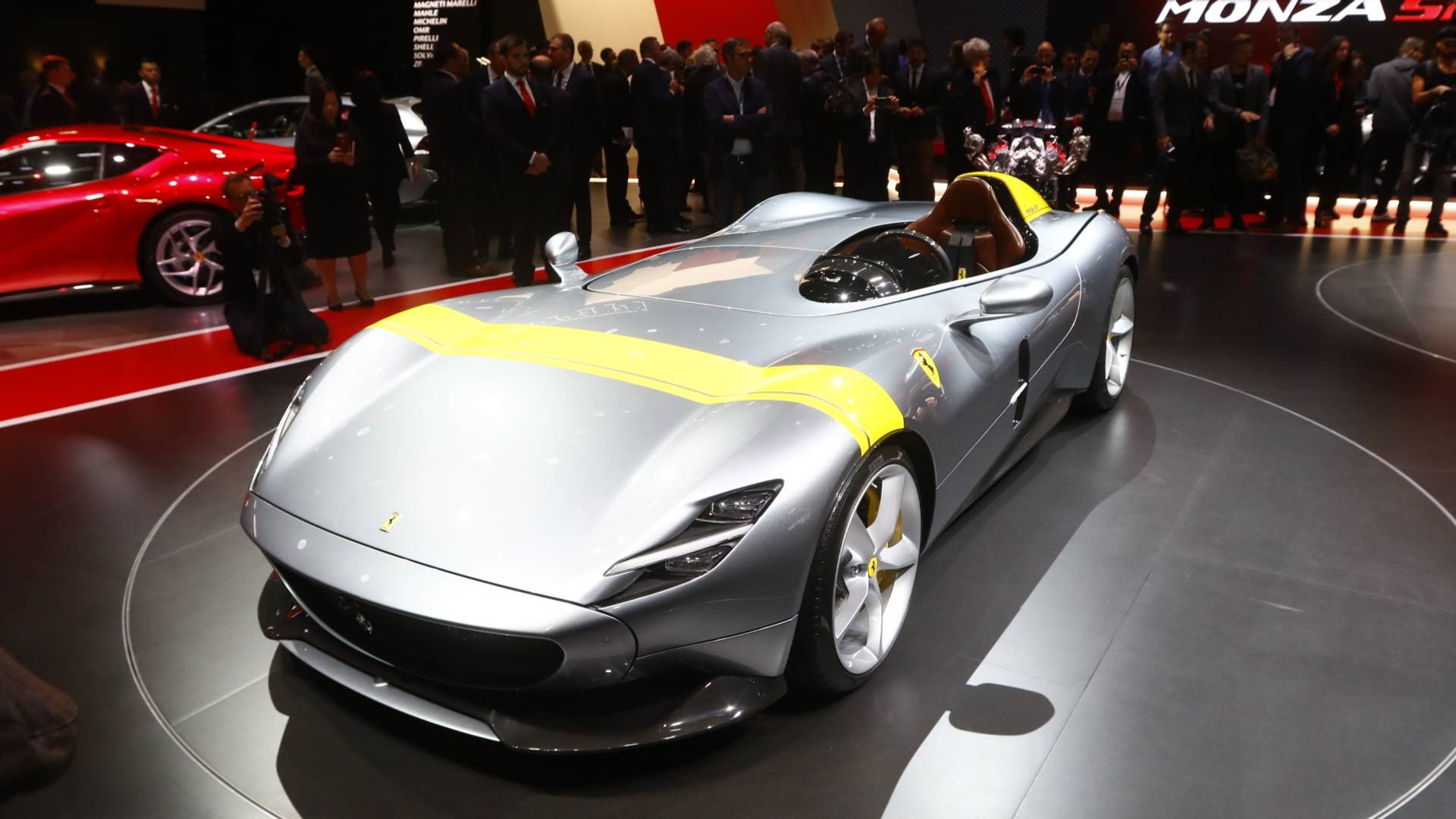 si u ph m ferrari monza sp1 v sp2 t i s n kh u paris motor show. Black Bedroom Furniture Sets. Home Design Ideas
