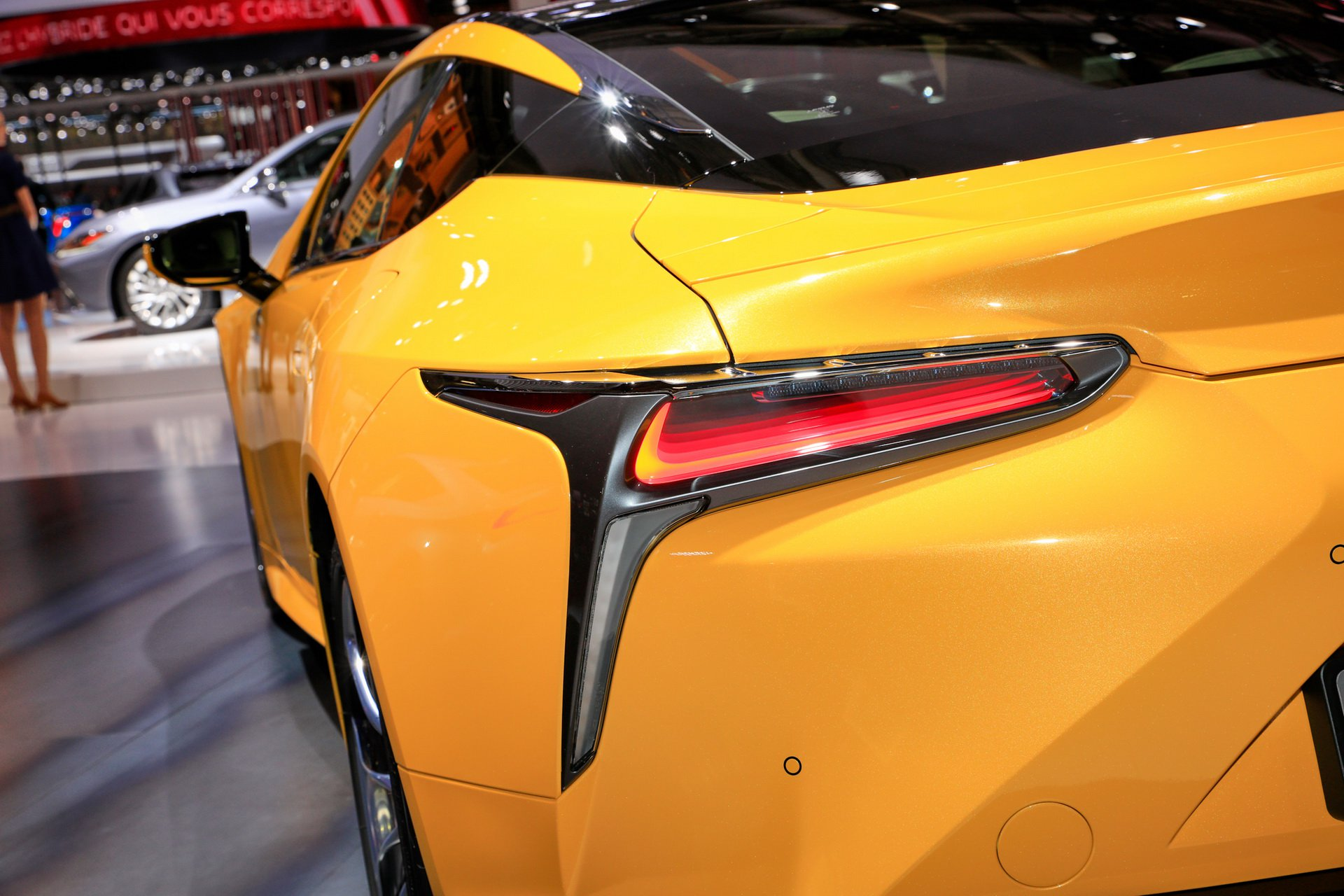2019-lexus-lc-limited-edition-ra-mat-paris-5.jpg