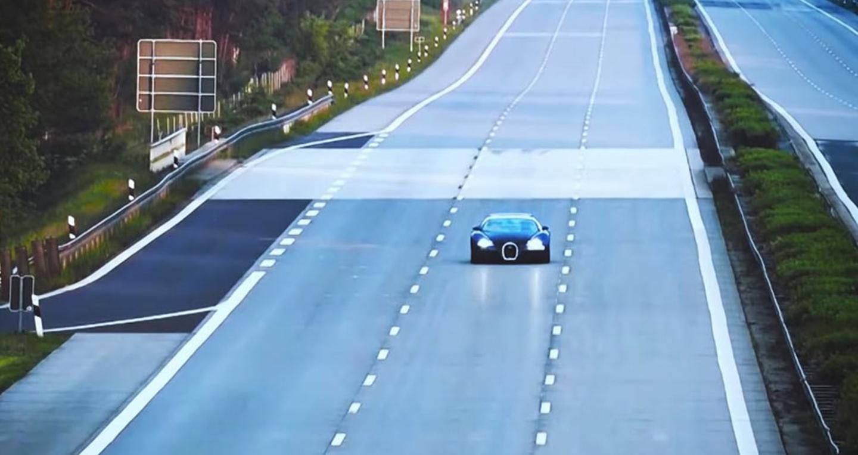 fa05a1d5-bugatti-veyron-top-speed-autobahn-.jpg