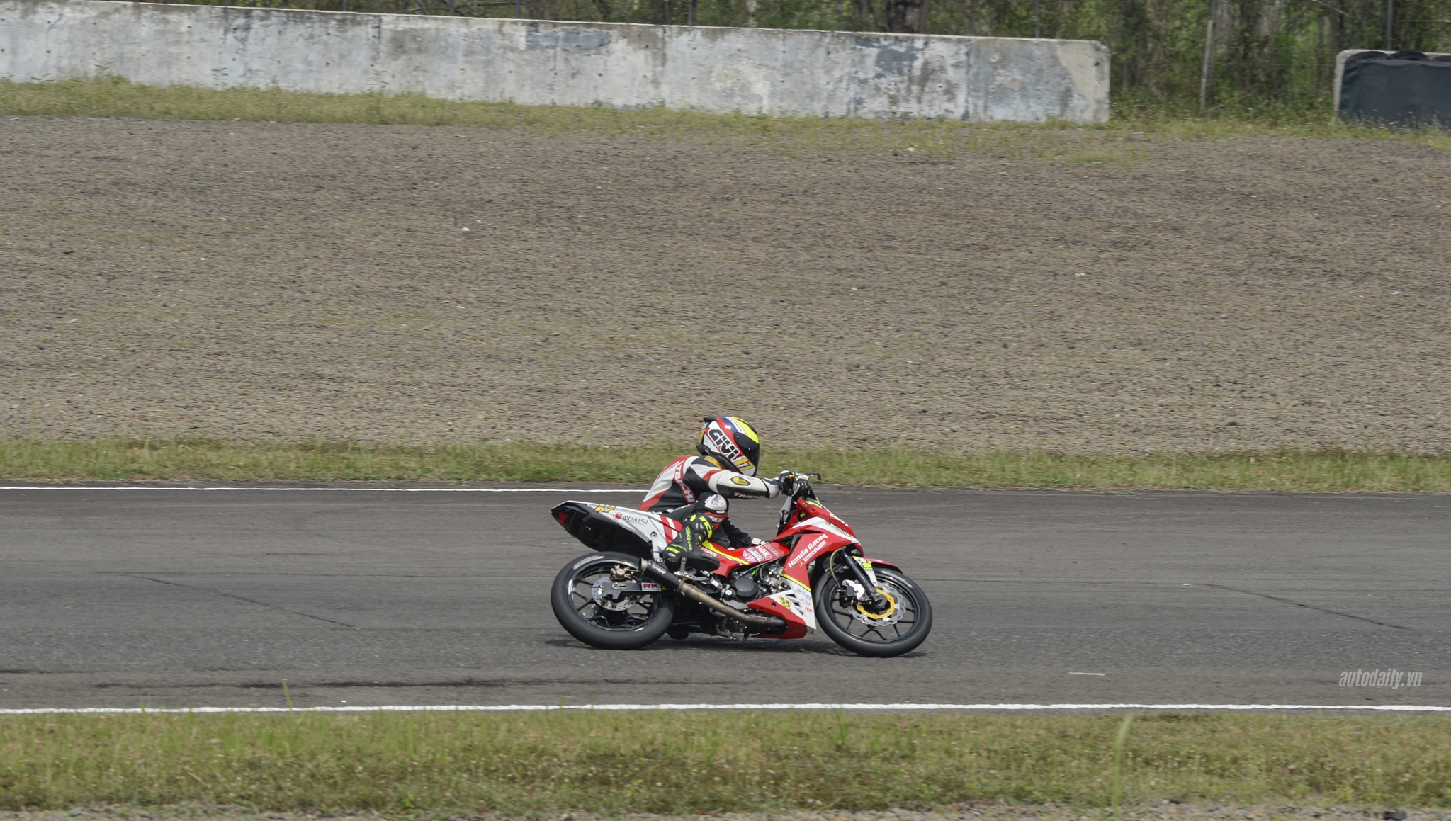 honda-racing-vn-dsc8139-copy.jpg