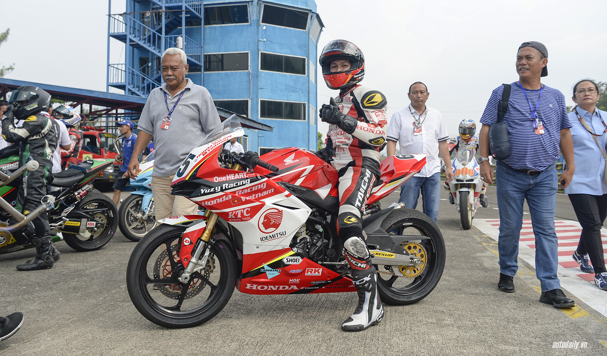 honda-racing-vn-dsc8560-copy.jpg