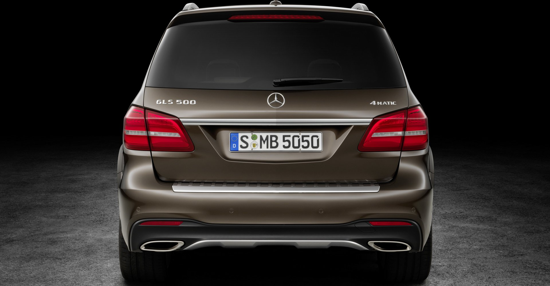 so-sanh-bmw-x7-vs-mercedes-gls-10.jpg
