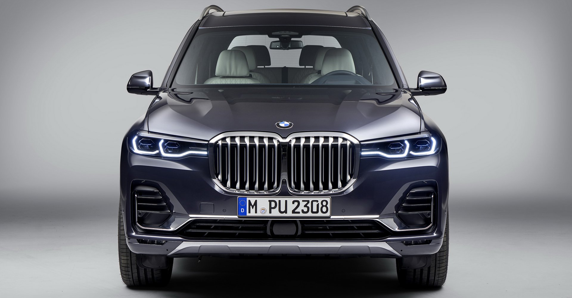 so-sanh-bmw-x7-vs-mercedes-gls-7.jpg