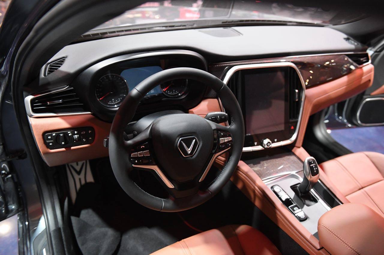 sedan-lux-a20-1.jpg