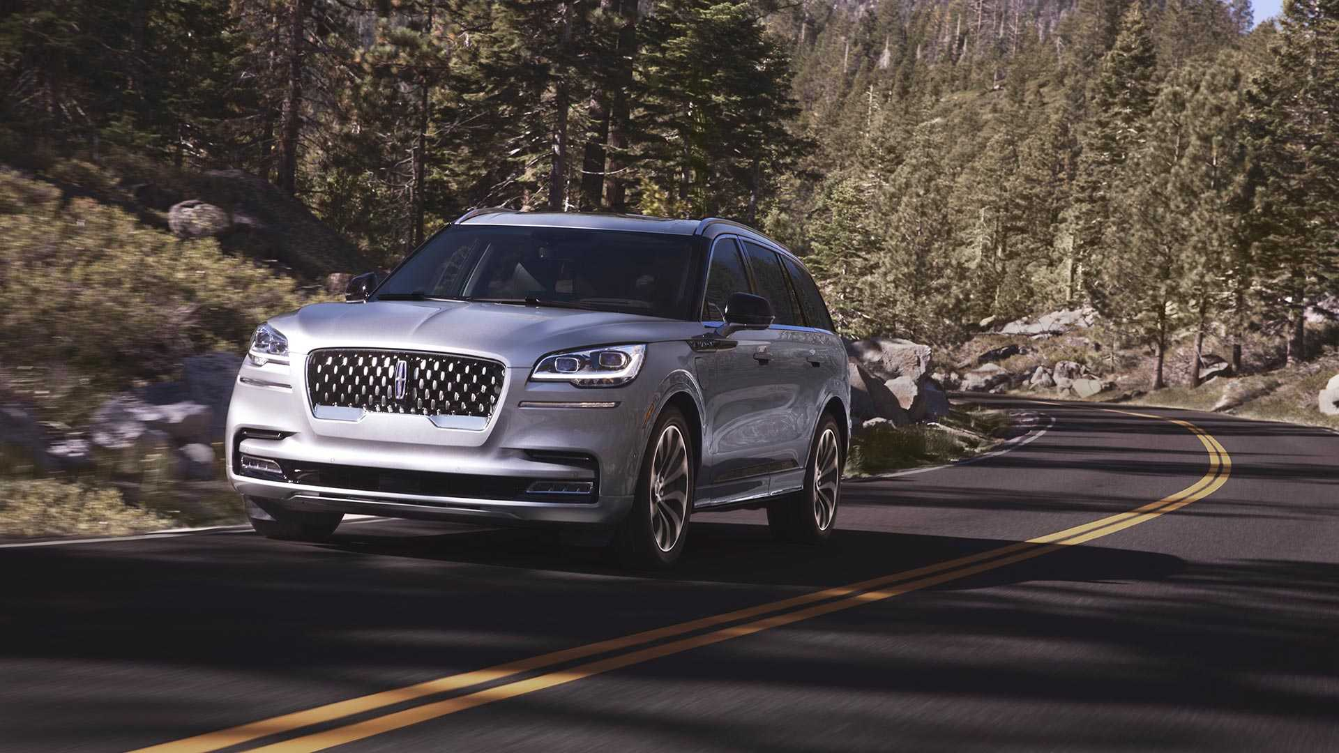2020-lincoln-aviator-lo-dien-1.jpg