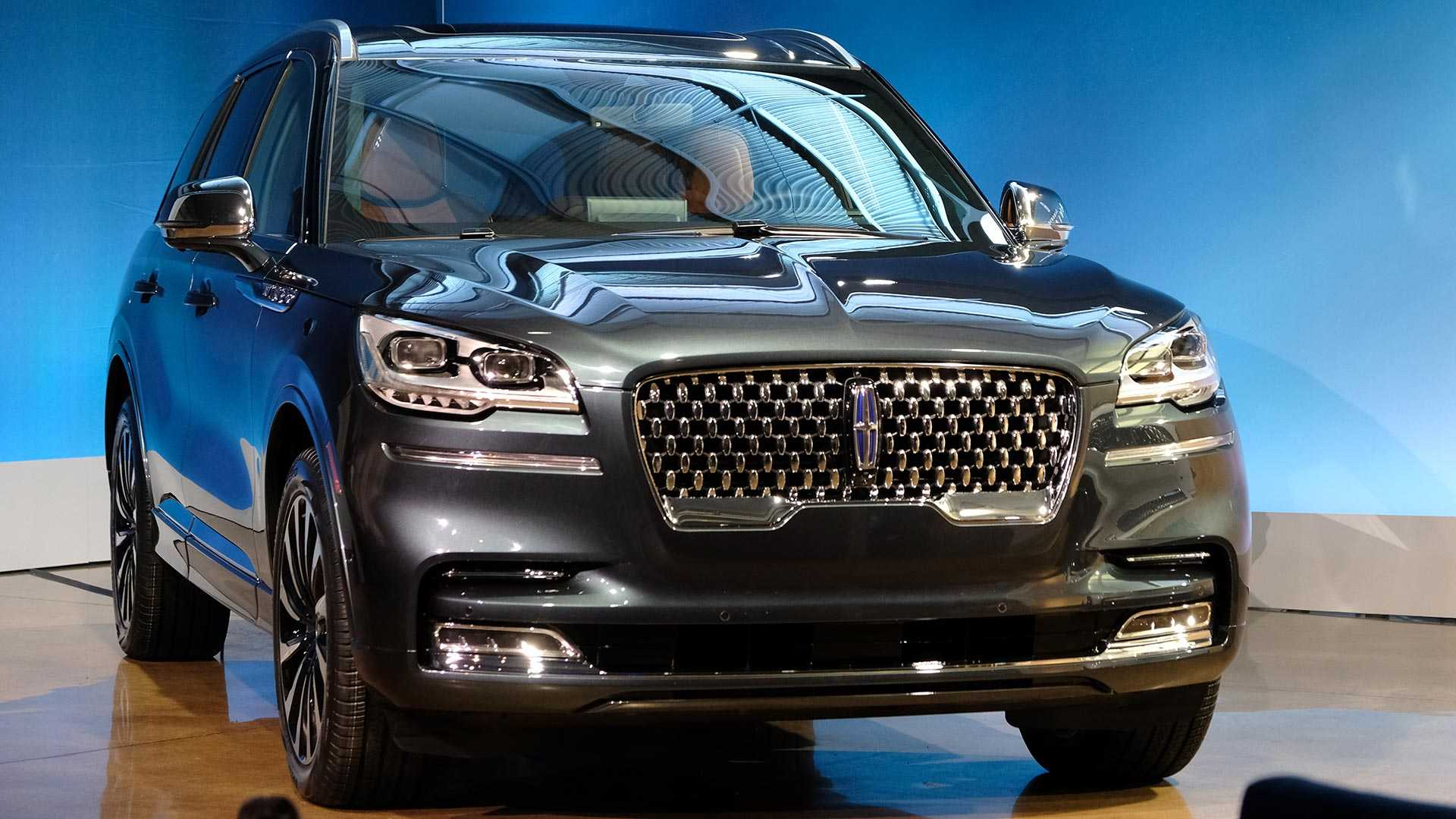 2020-lincoln-aviator-lo-dien-15.jpg