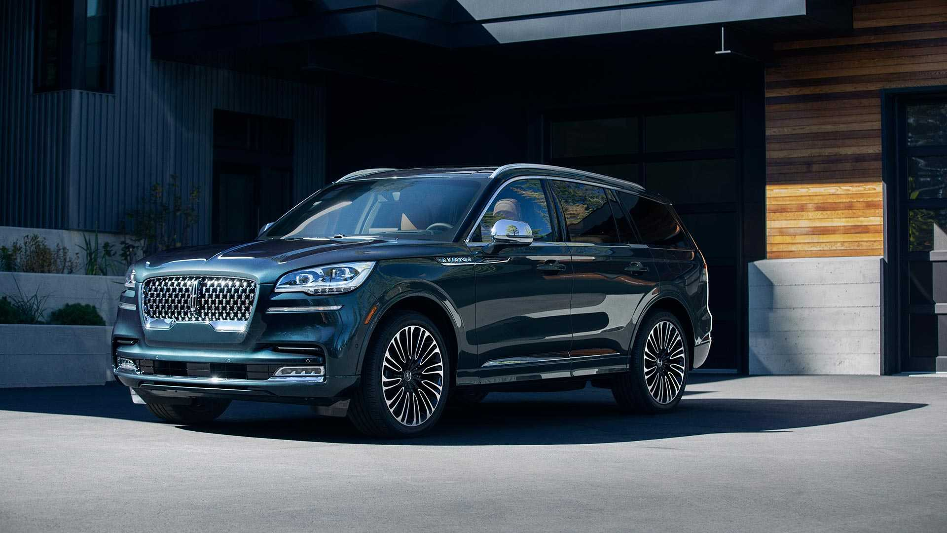 2020-lincoln-aviator-lo-dien-2.jpg