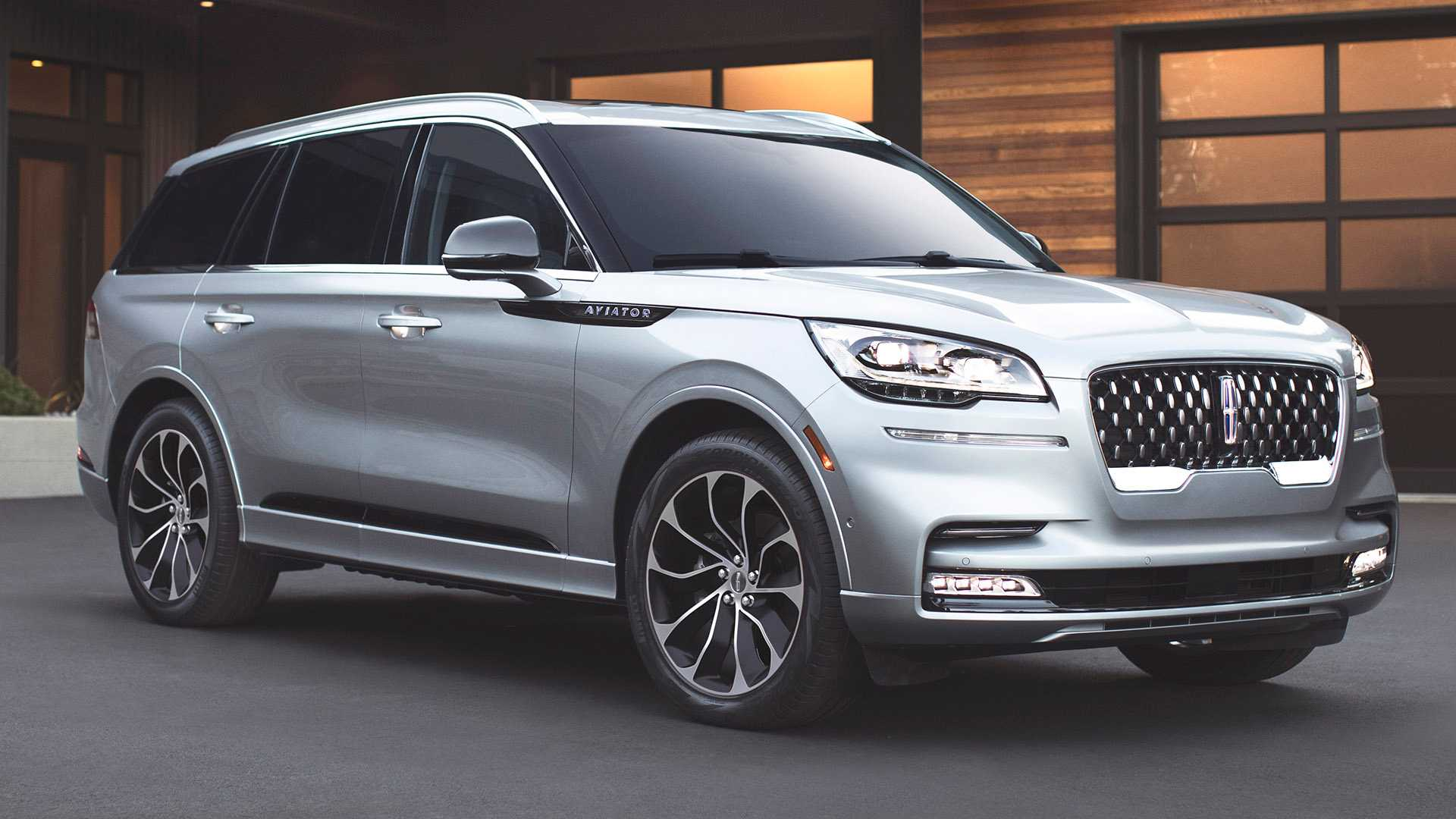 2020-lincoln-aviator-lo-dien-3.jpg