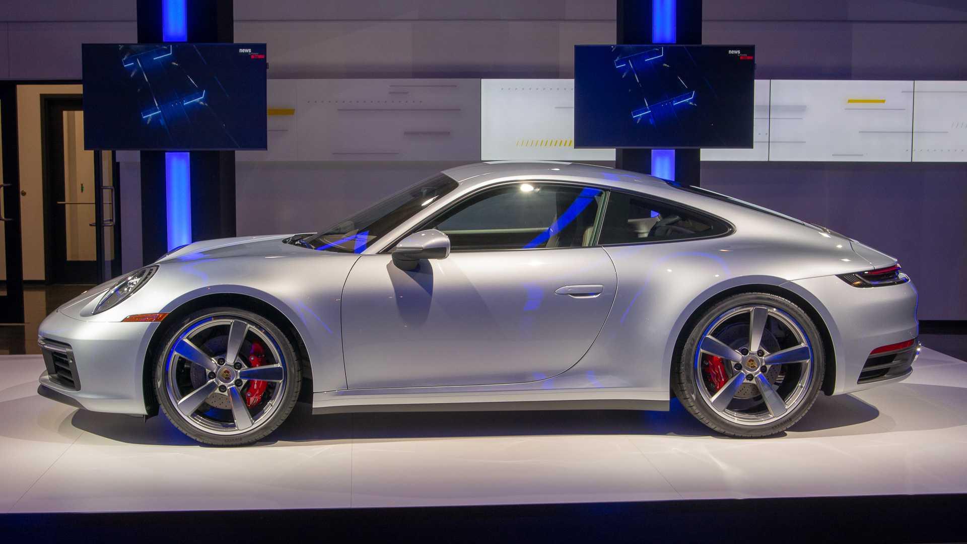 2020-porsche-911-carrera-s-2.jpg