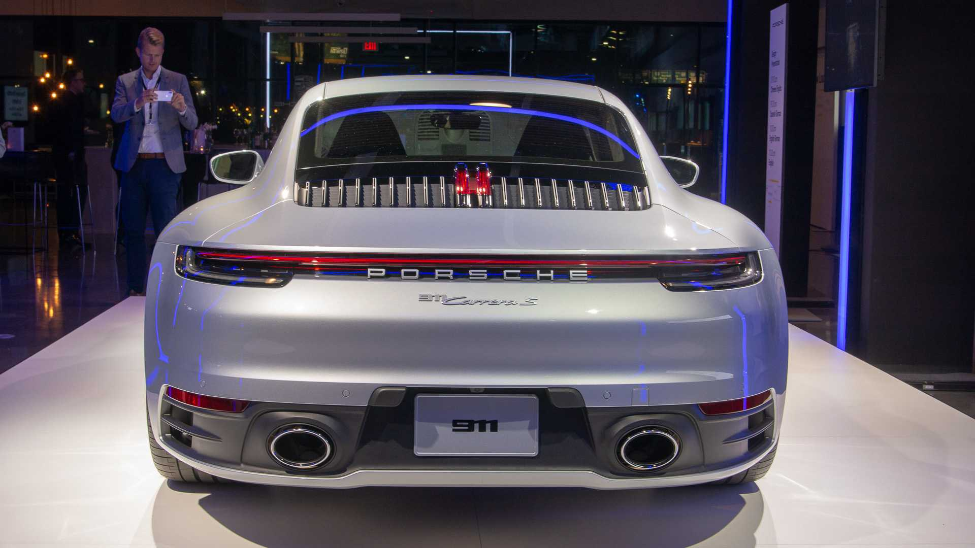 2020-porsche-911-carrera-s-4.jpg