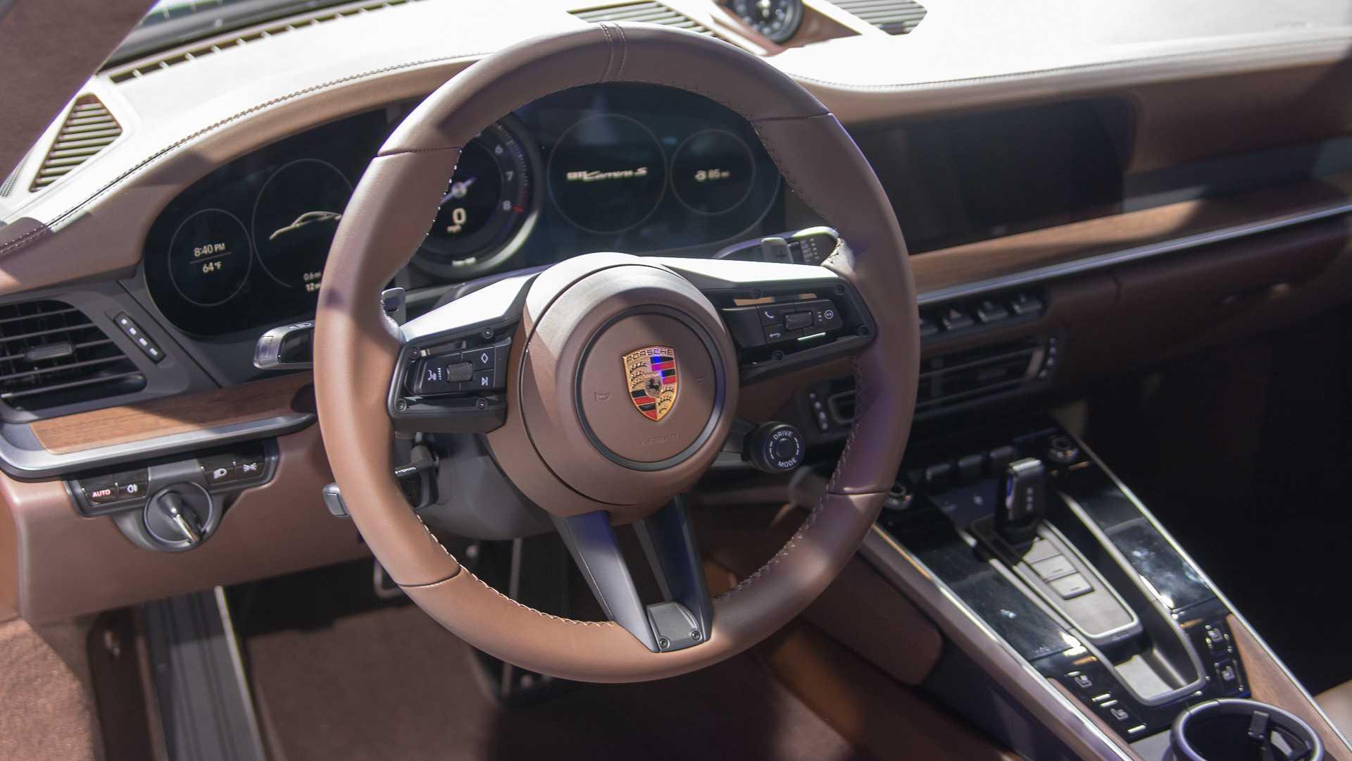 2020-porsche-911-carrera-s-6.jpg