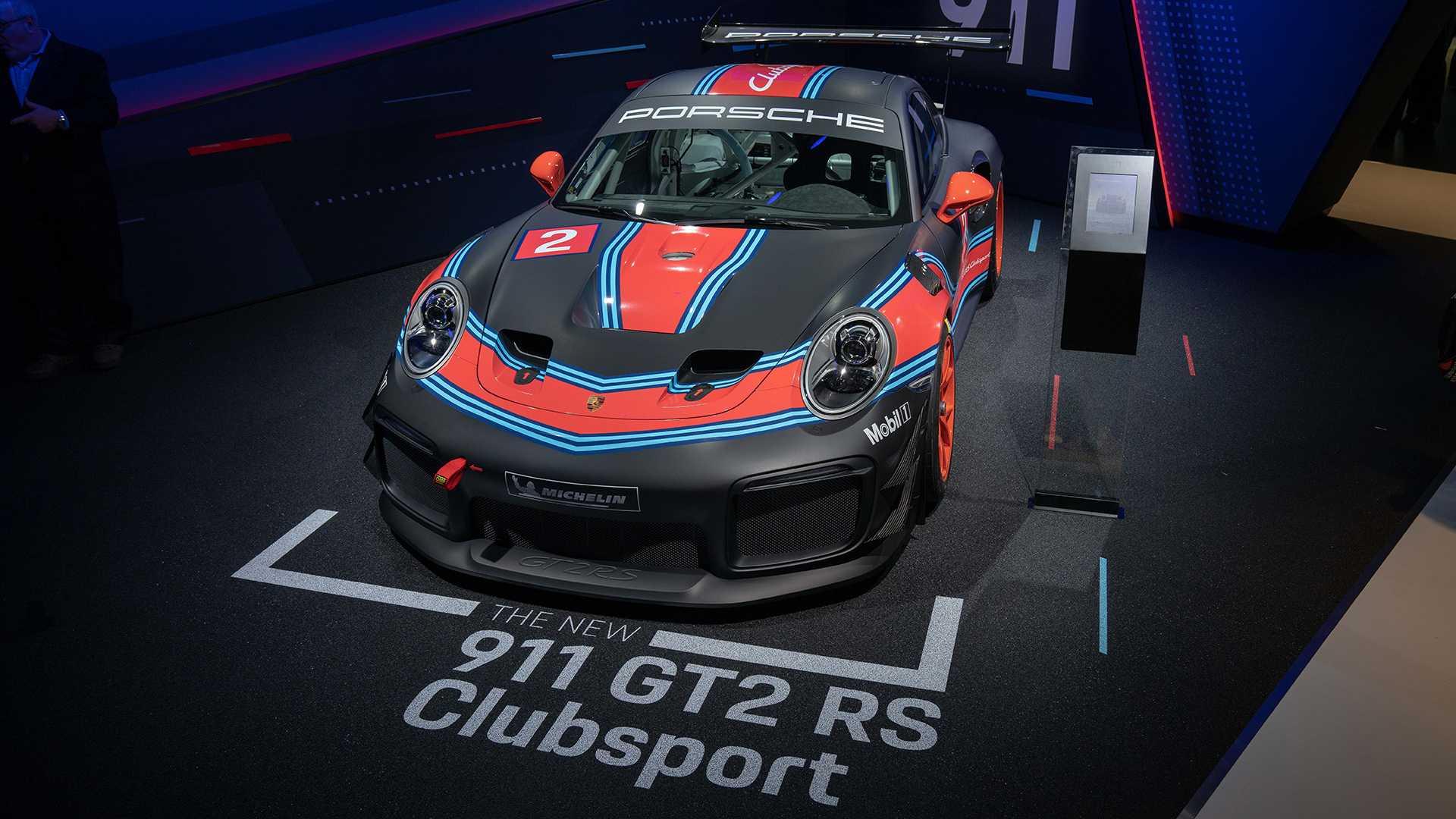 porsche-911-gt2-rs-clubsport-xe-dua-1.jpg