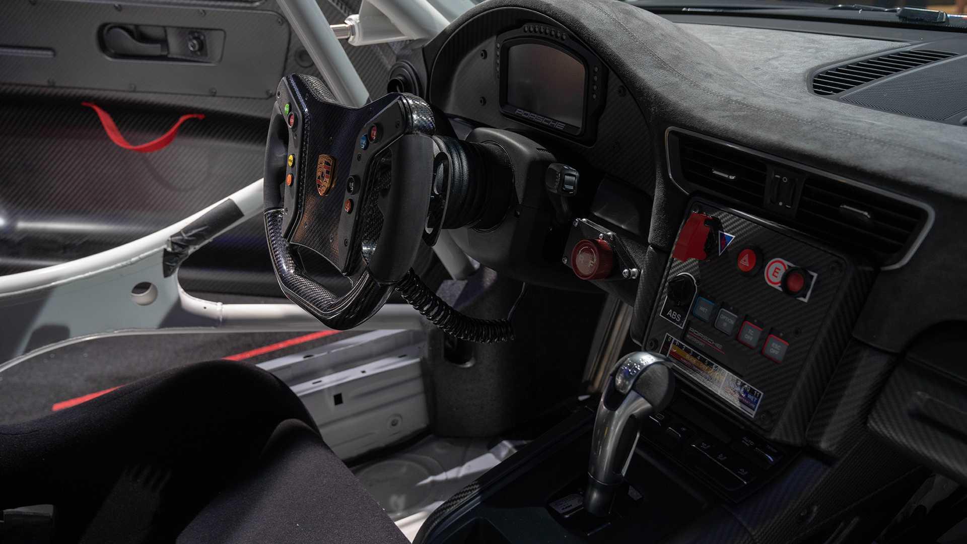 porsche-911-gt2-rs-clubsport-xe-dua-12.jpg