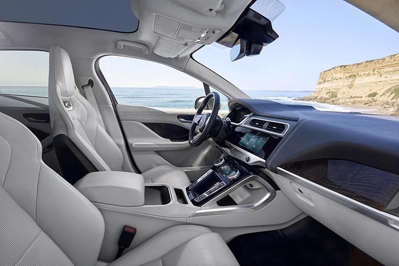 jaguar-tung-mau-xe-dien-dau-tien-autodaily-vn1.jpg