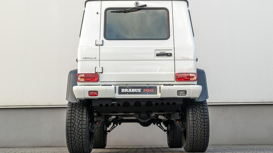 brabus-700-4x4-squared-1-4.jpg