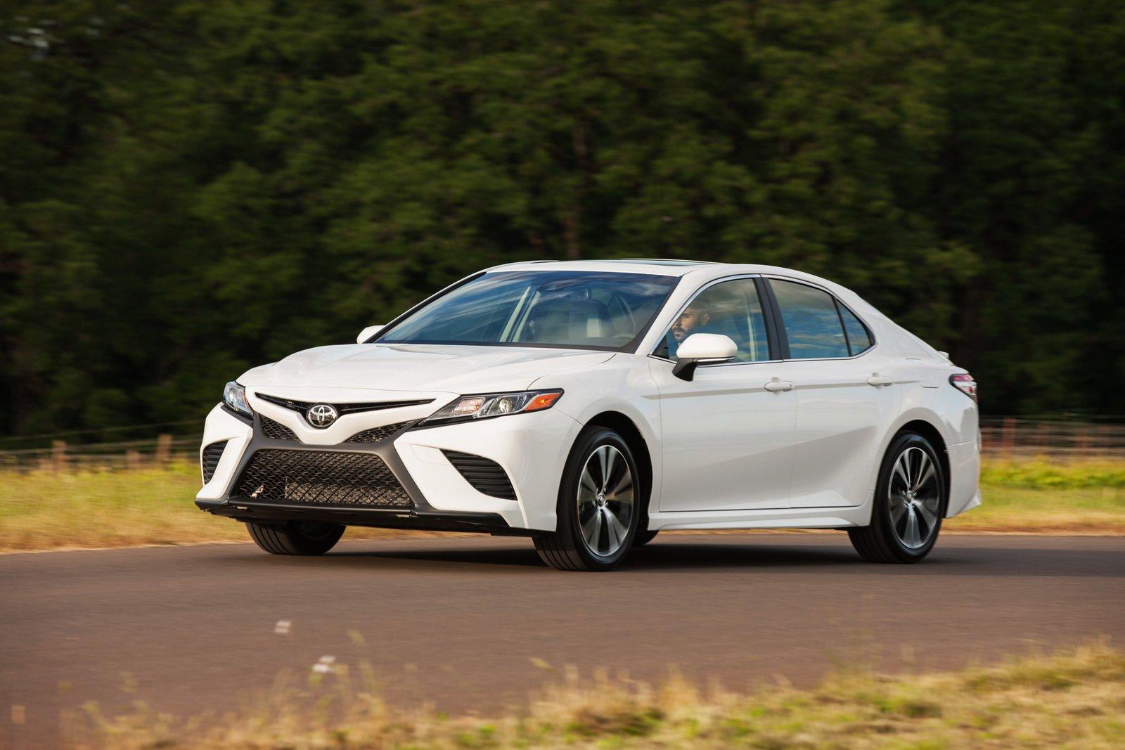 top-10-sedan-ban-chay-2018-toyota-camry-1.jpg