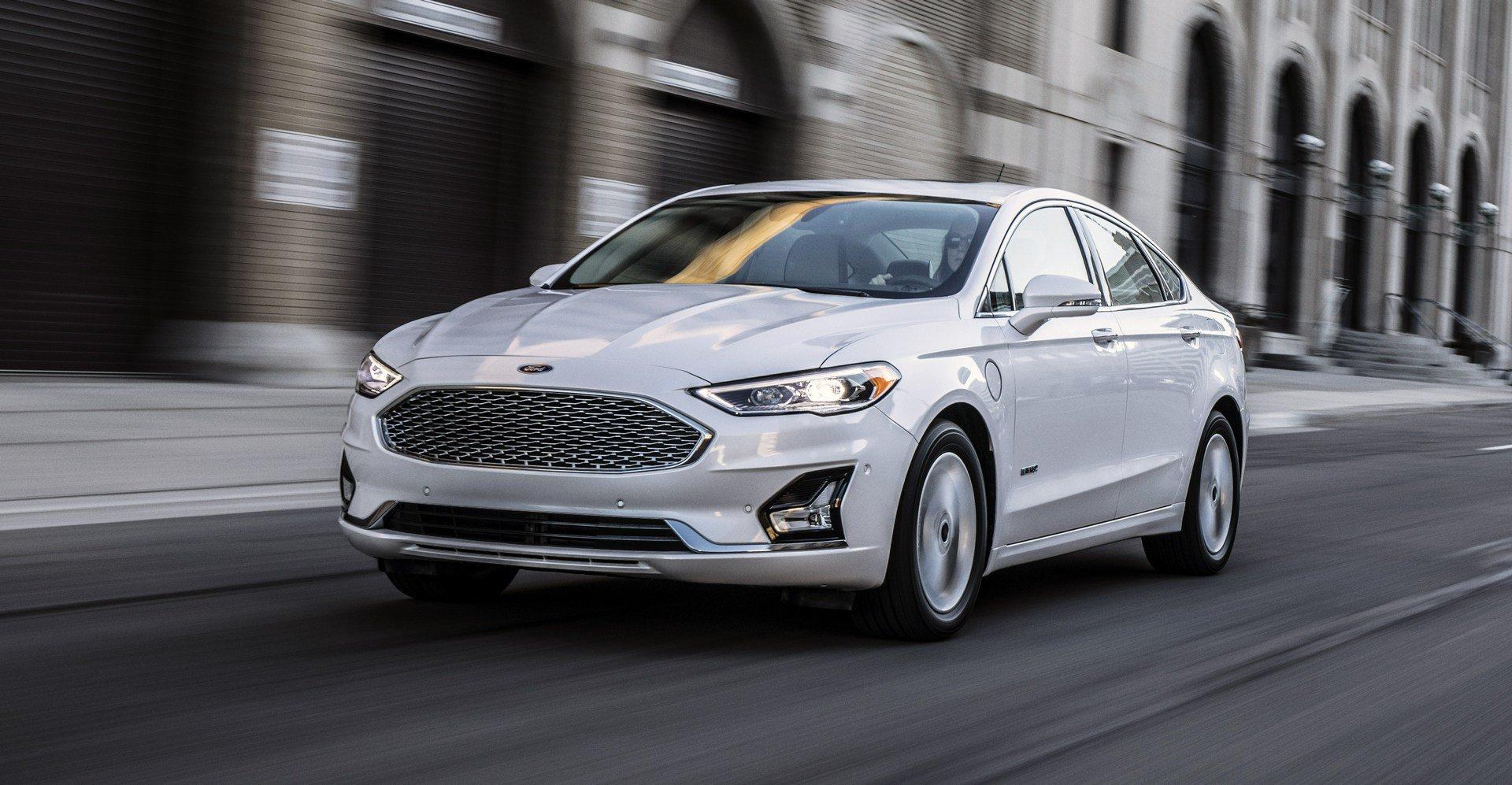 top-10-sedan-ban-chay-2019-ford-fusion.jpg