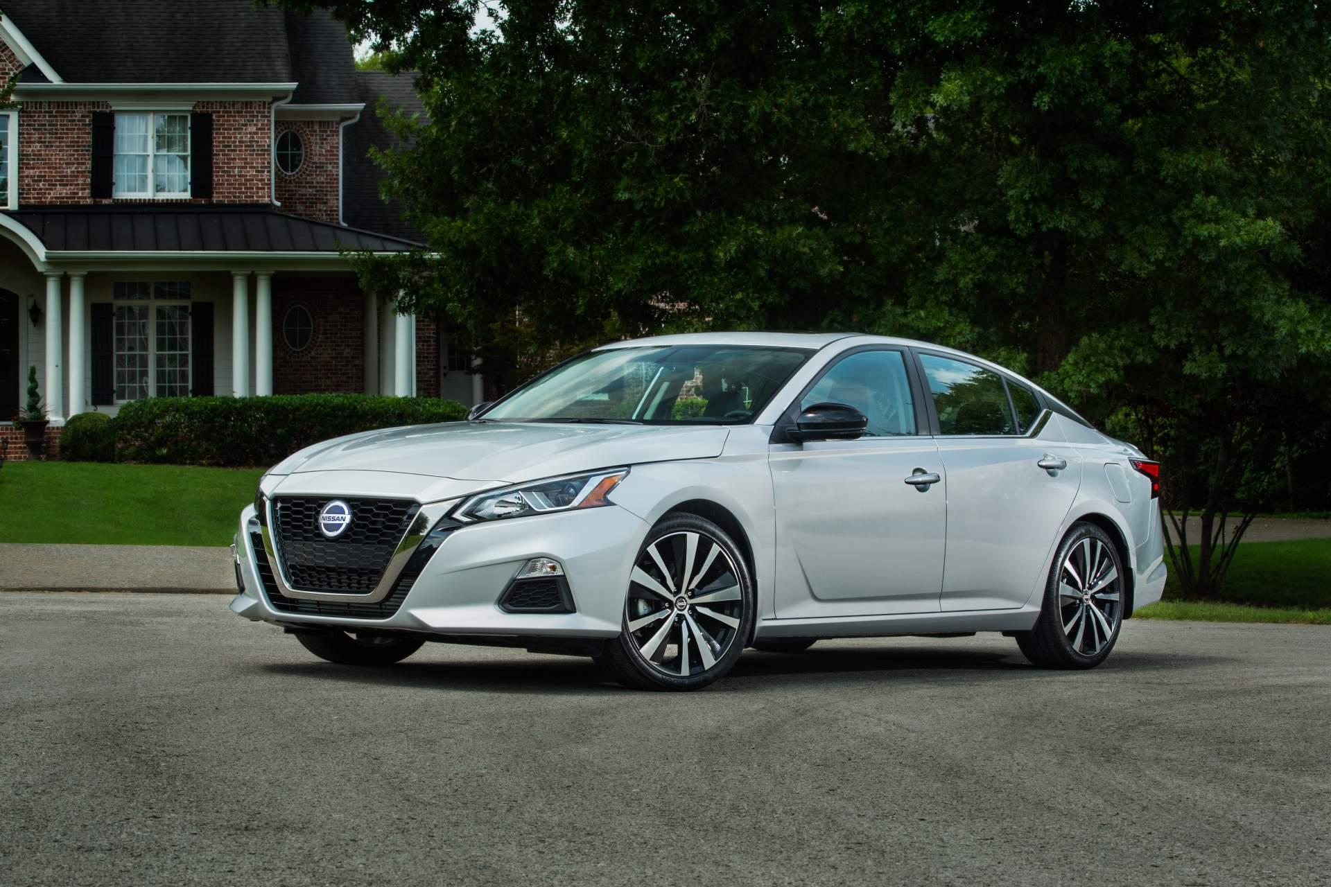 top-10-sedan-ban-chay-2019-nissan-altima-1.jpg