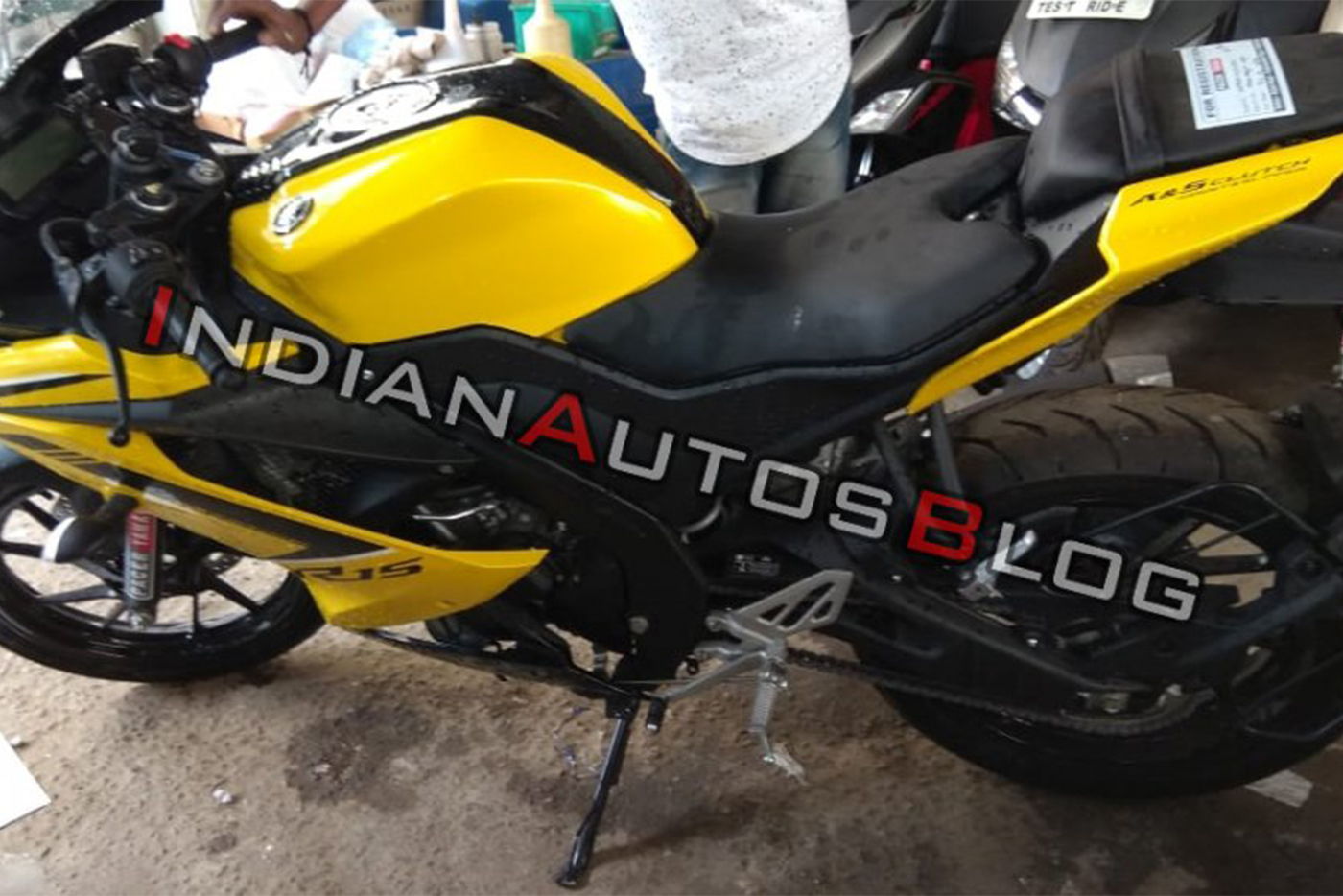 yamaha-r15-v3-0-customised-yellow-colour-left-side-311f-1.jpg