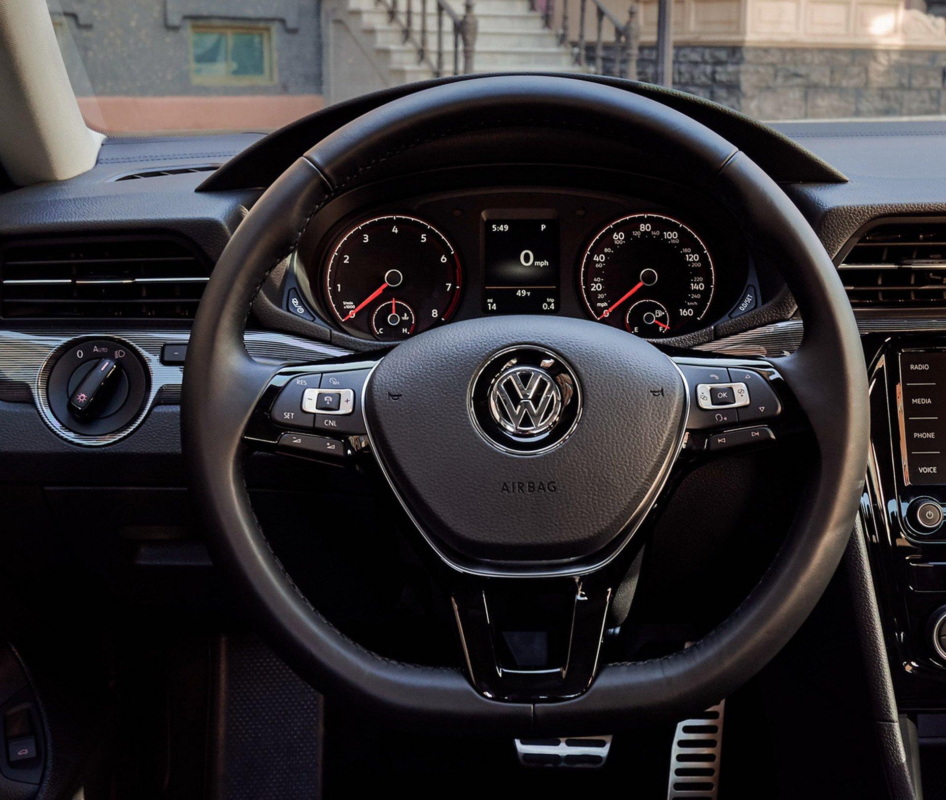 Volkswagen Passat 2020 Ra Mắt Với Diện Mạo Hầm Hố, Hiện đại