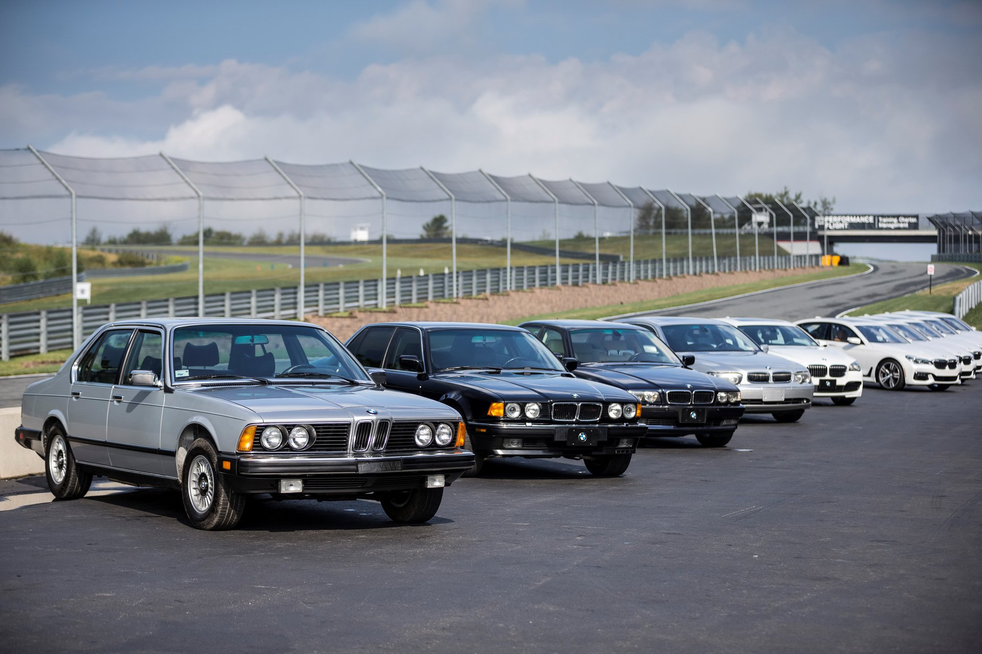 lot-xac-bmw-7-series-0.jpeg