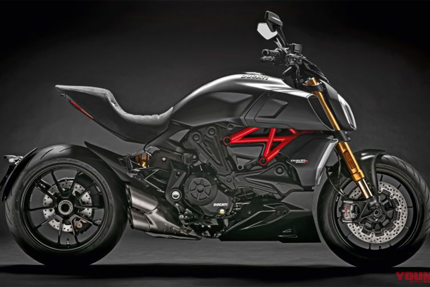 my19-diavel-1260-s-uc69972-high-800x497.jpg