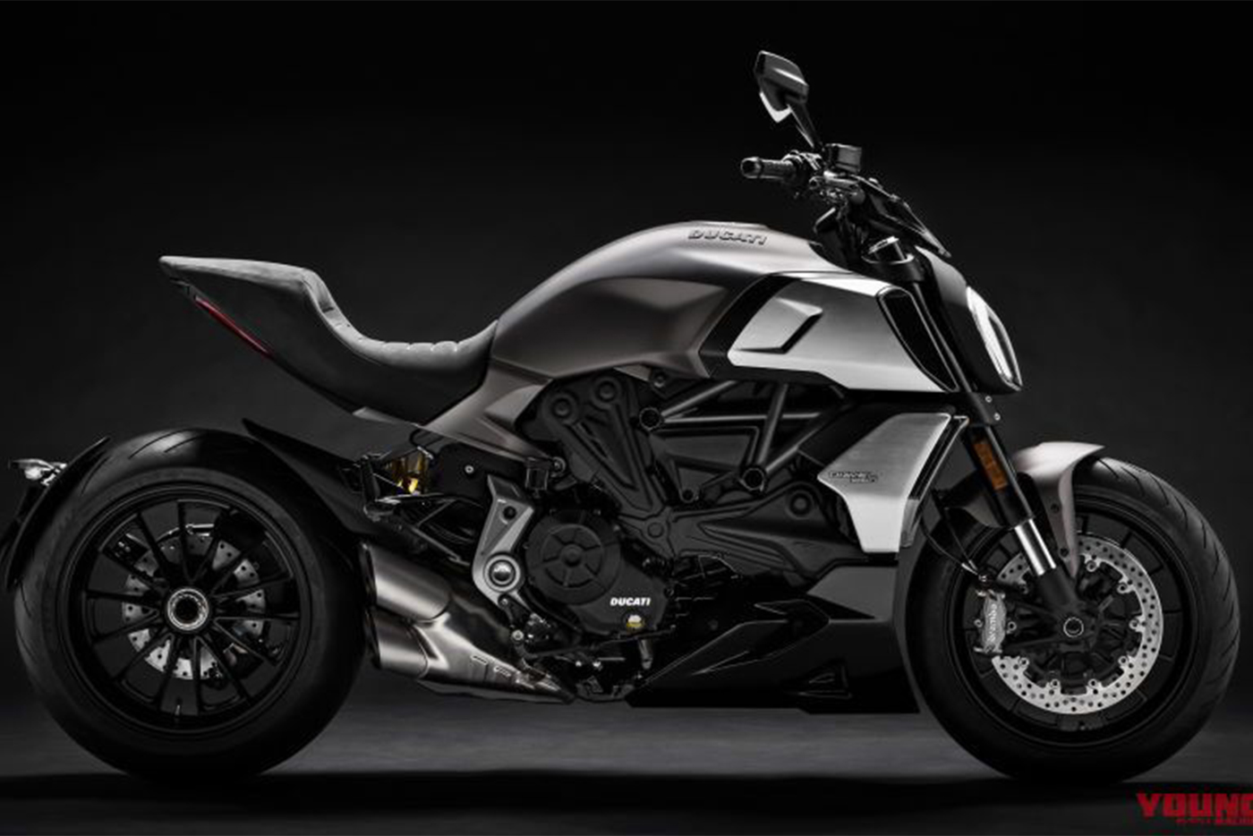 my19-diavel-1260-uc69971-high-800x512.jpg