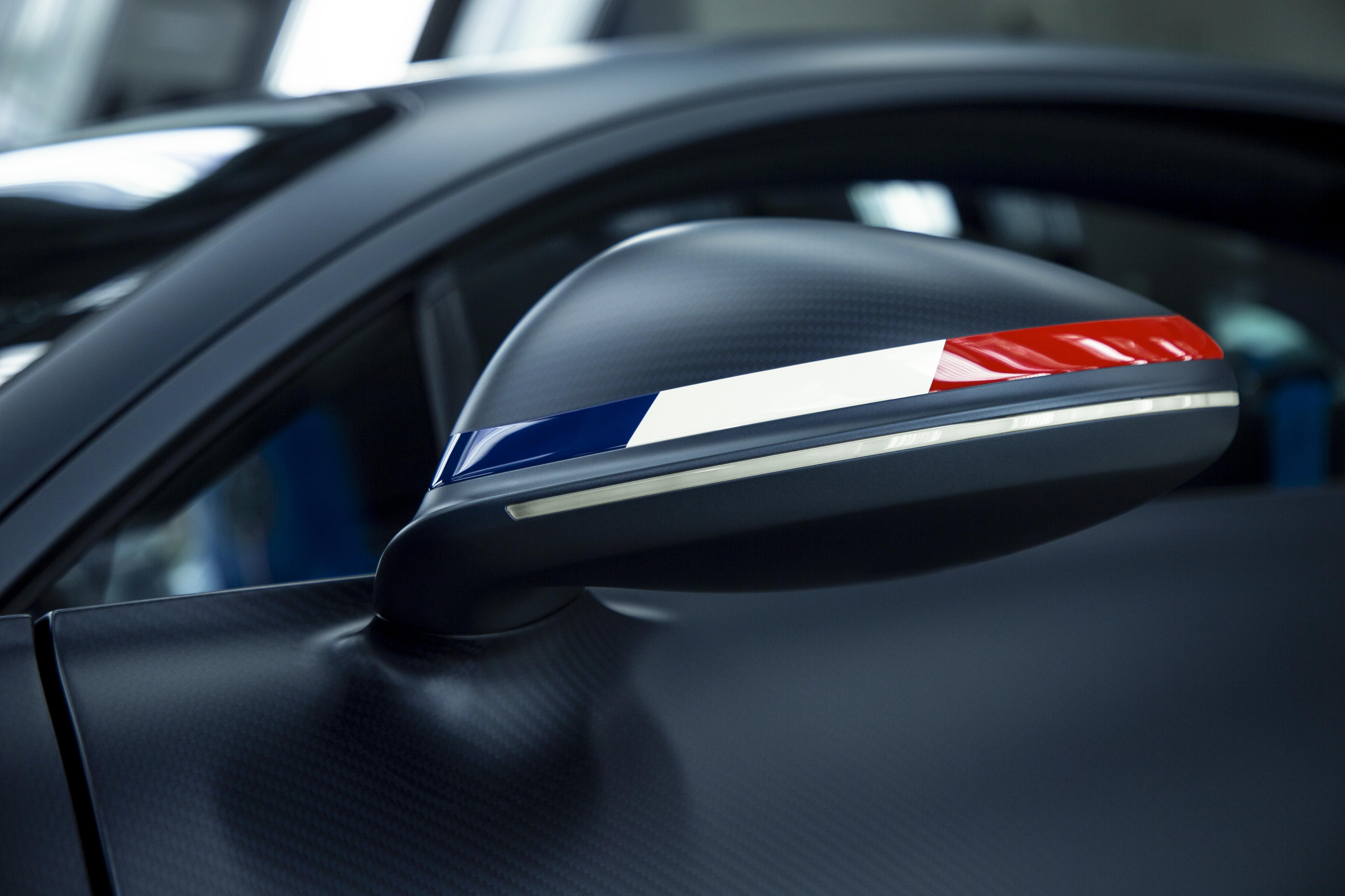 bugatti-chiron-sport-110-ans-bugatti-12.jpg