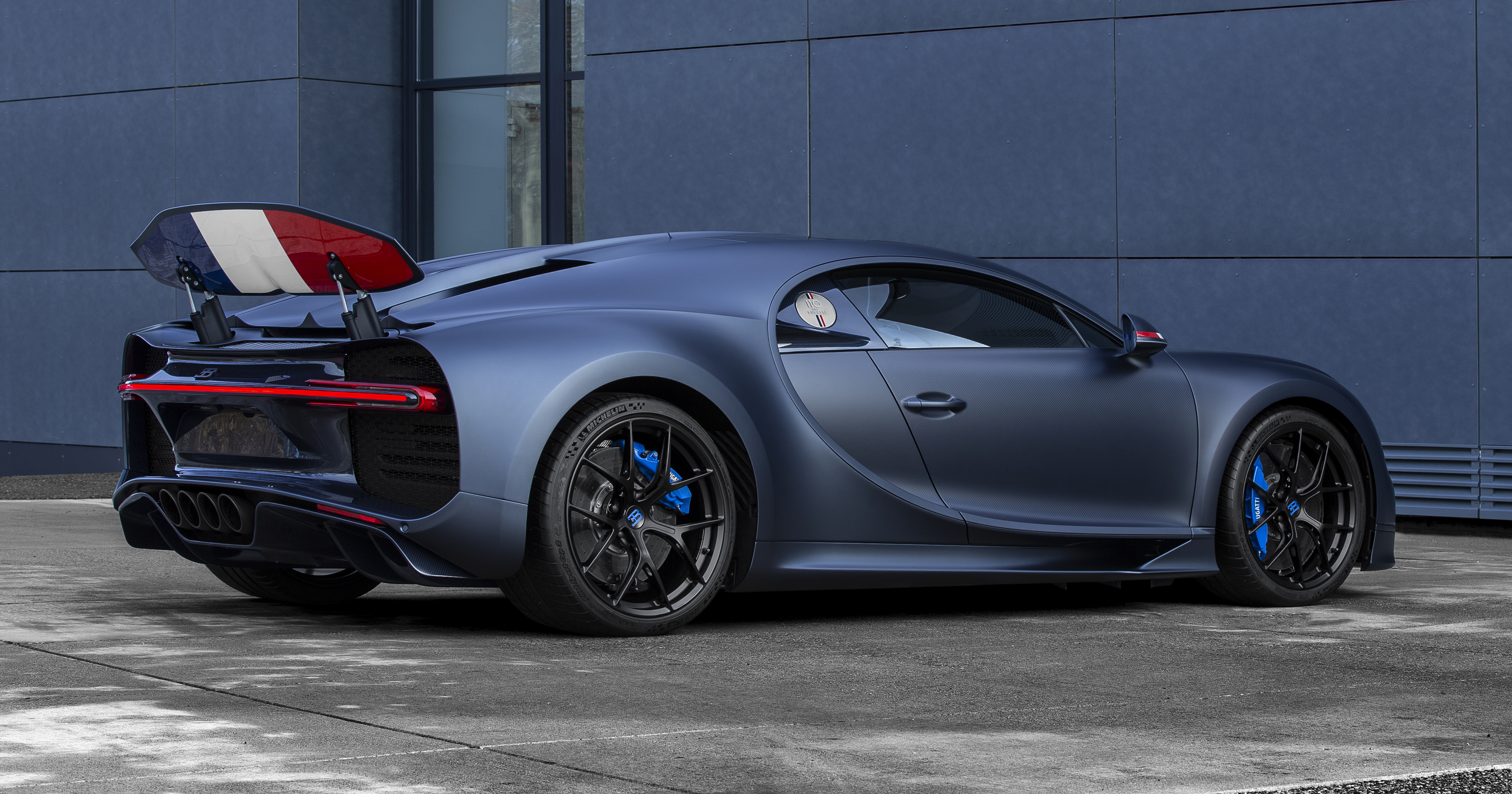 bugatti-chiron-sport-110-ans-bugatti-6.jpg