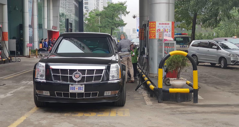 Xe quái thú của Tổng thống Donald Trump lăn bánh trên đường Hà Nội