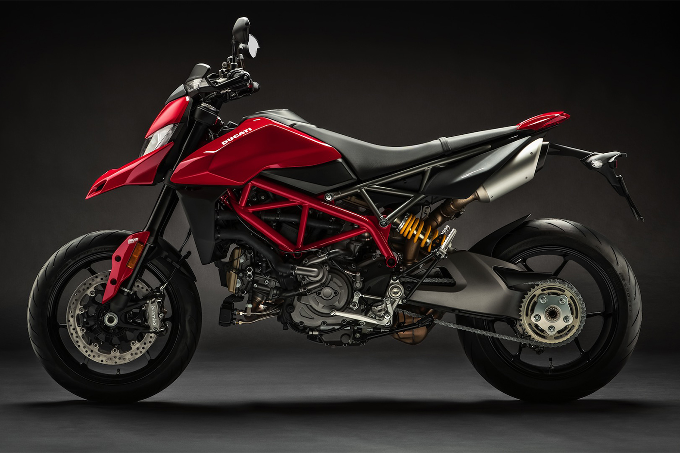 2019-ducati-monster-hypermotard-950-1.jpg
