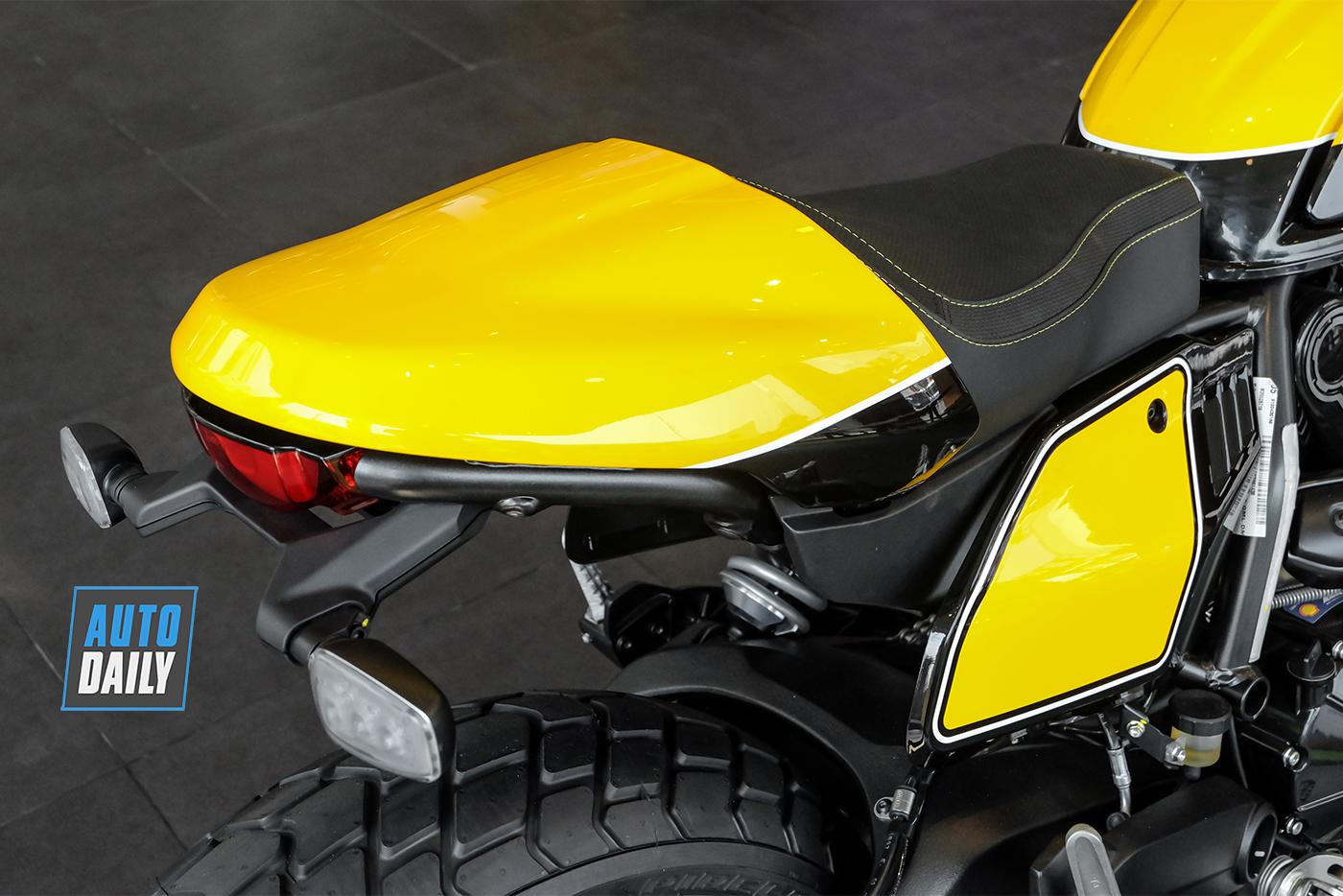 ducati-scrambler-full-throttle-2019-14.jpg
