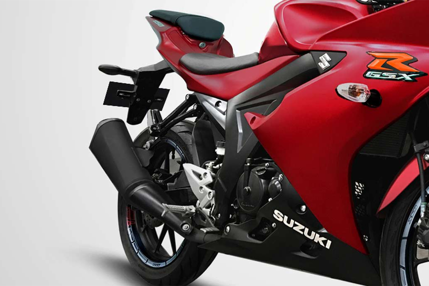 suzuki-gsx-r150-matte-summer-red-4.jpg