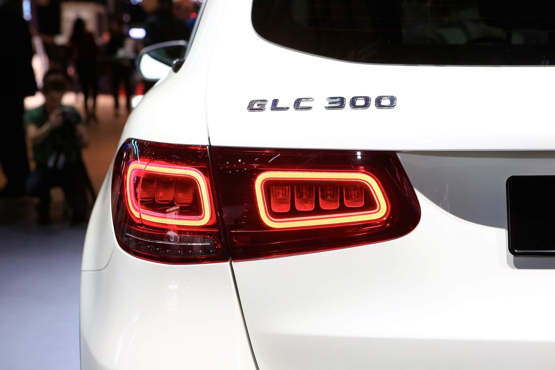 mercedes-benz-glc-2020e5ce1281-mercedes-benz-glc-facelift-at-2019-geneva-motor-show-10.jpg