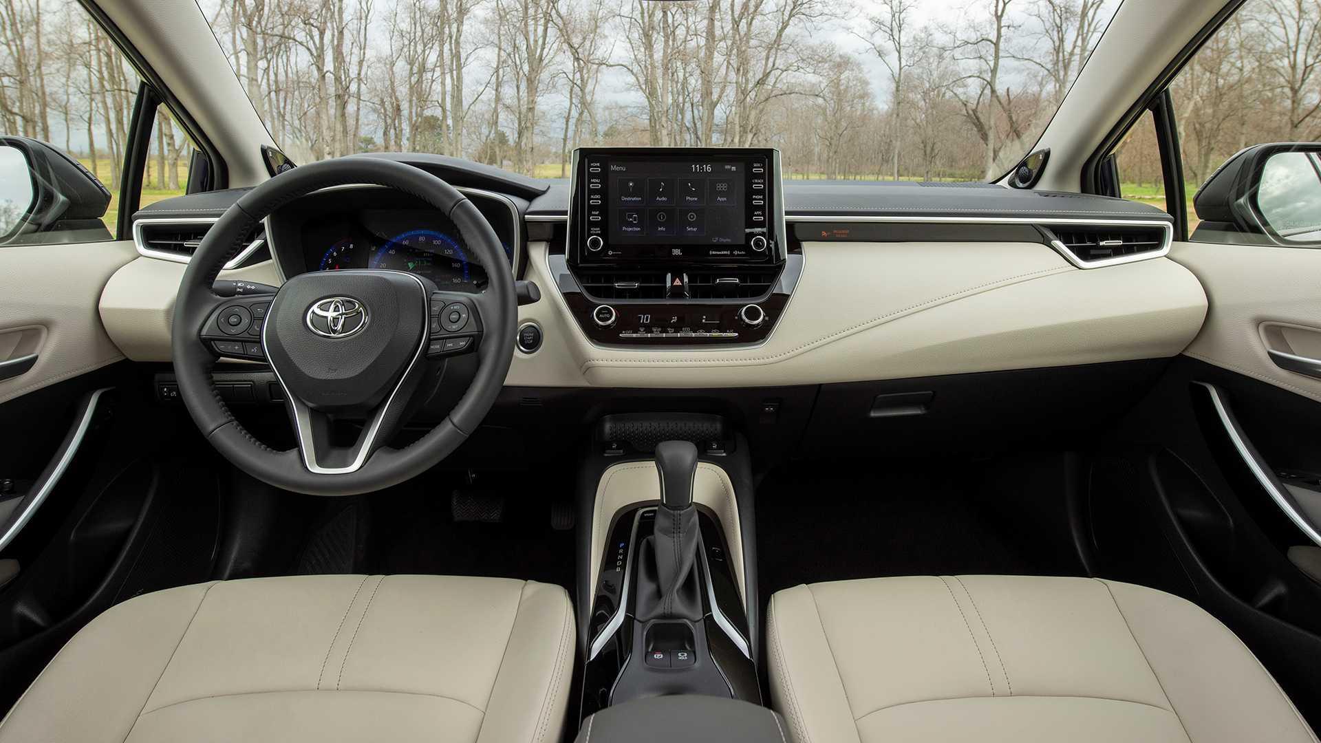 2020-toyota-corolla-sedan-danh-gia-11.jpg