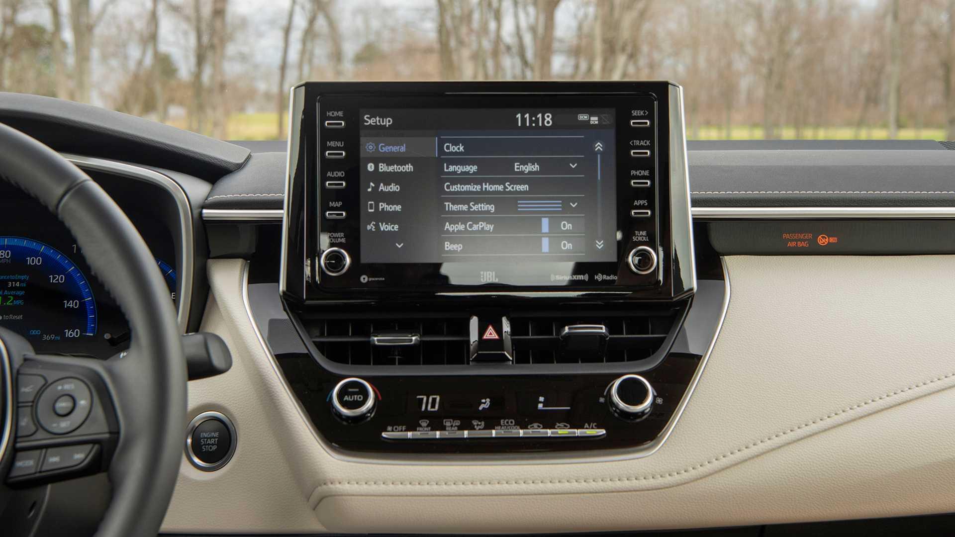 2020-toyota-corolla-sedan-danh-gia-12.jpg