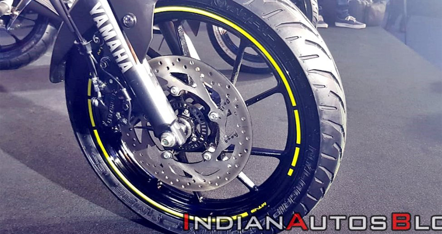 2019-yamaha-mt-15-india-launch-front-brake-ae83.jpg
