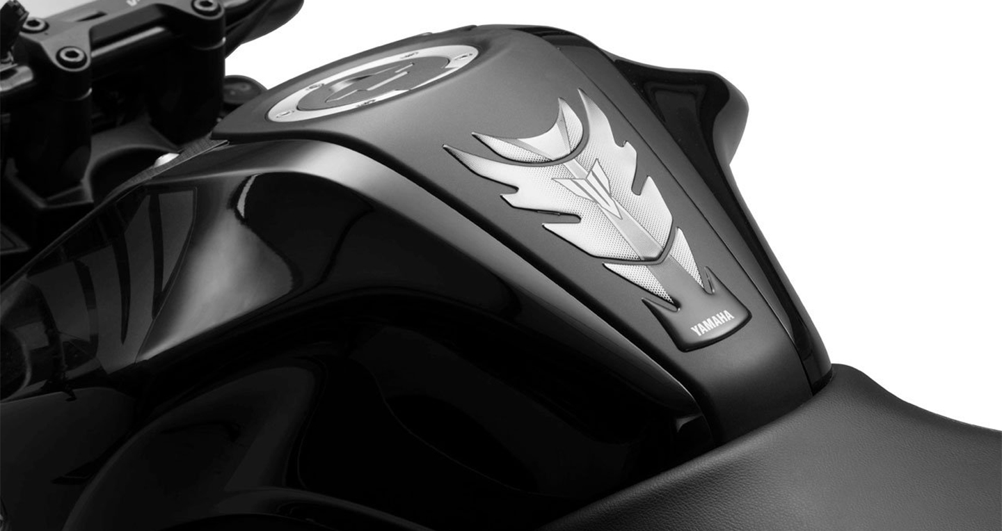 yamaha-mt-15-accessories-tank-pad-ecac.jpg