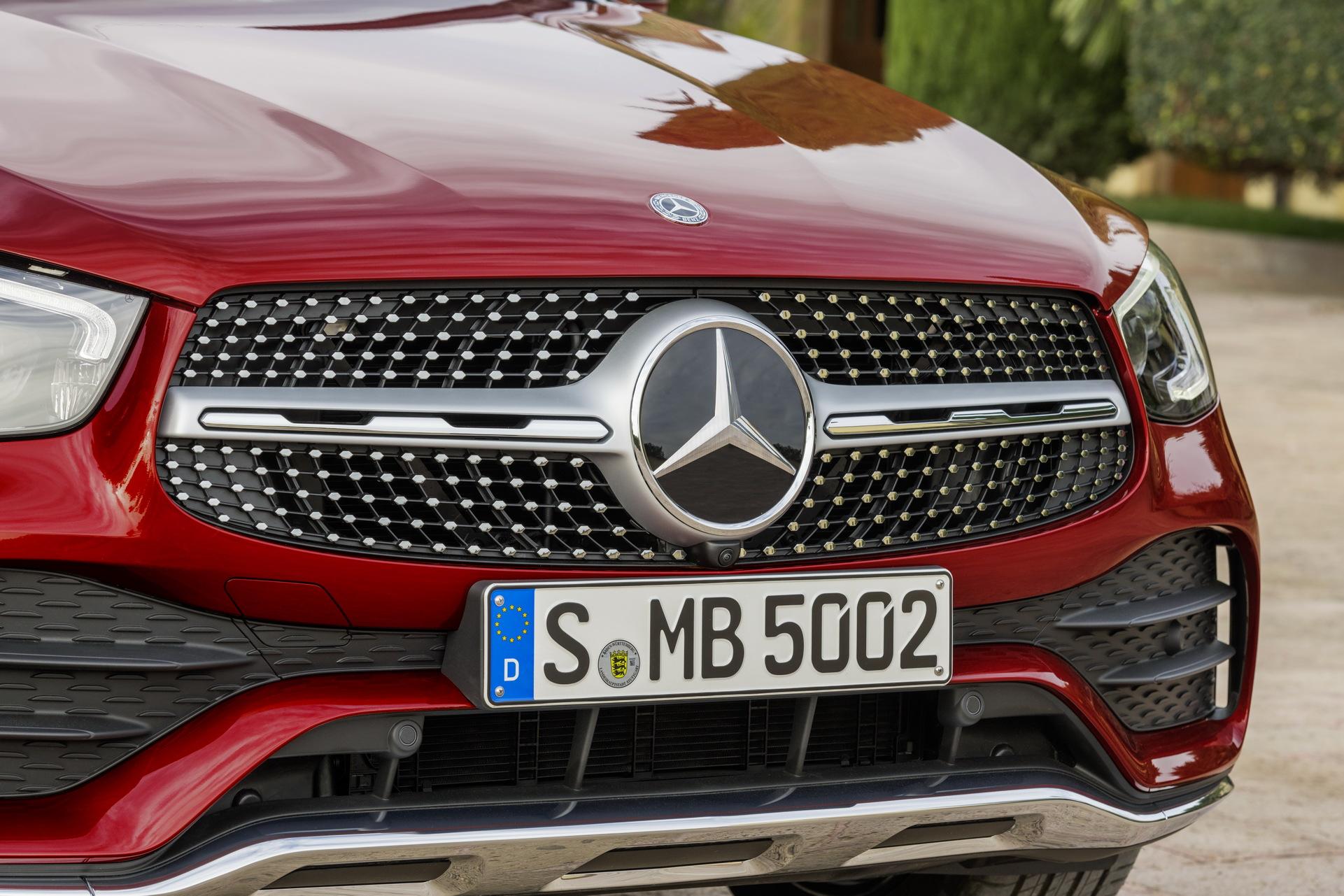2020-mercedes-benz-glc-coupe-3.jpg