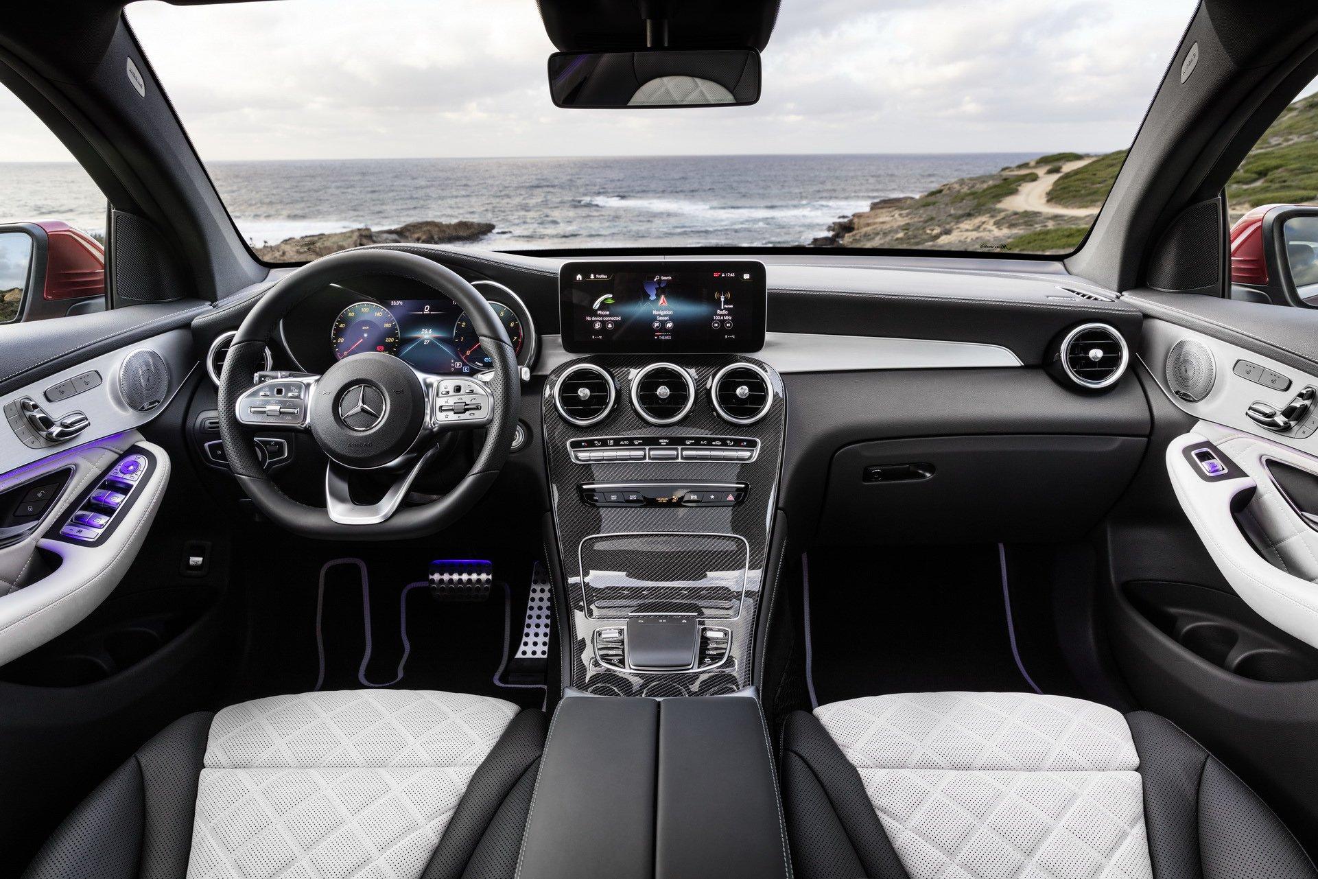 2020-mercedes-benz-glc-coupe-8.jpg