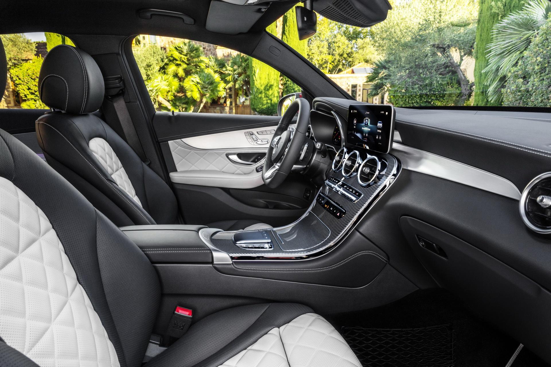 2020-mercedes-benz-glc-coupe-9.jpg